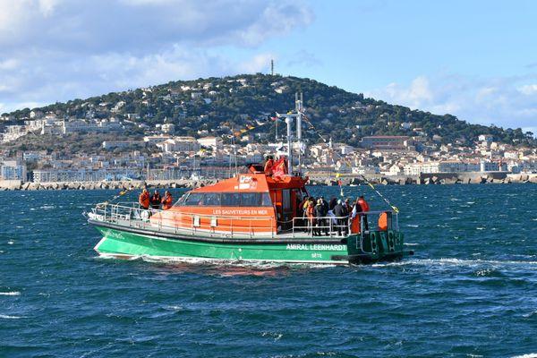 Le canot tous temps de Sète, un navire insubmersible et auto-redressable - 2017.