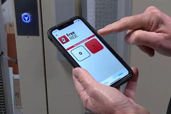 L'entreprise Ciel Ascenseurs proposent 4 solutions pour ne plus toucher les boutons.