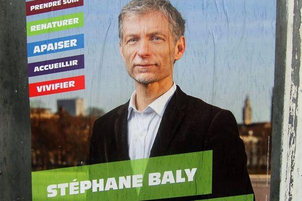 """Le candidat écologiste considère qu'un """"vote Violette Spillebout est un vote Aubry"""""""