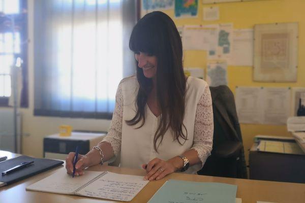 Véronique Sousset, dans son bureau du centre pénitentiaire pour femmes, à Rennes