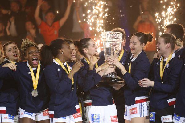 Les Bleues championnes du monde de handball après leur victoire face à la Norvège