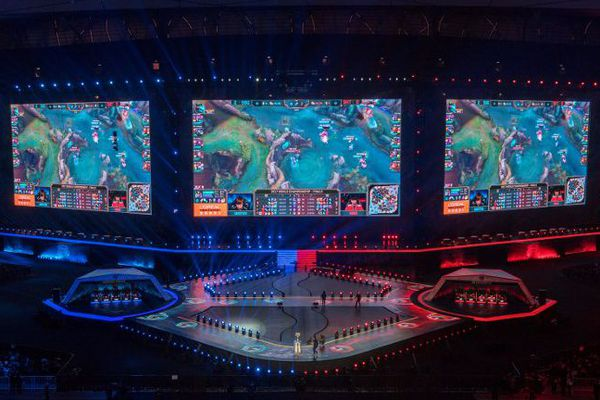 League of Legends sur grand écran, lors de la finale des championnats du monde - Chine, novembre 2017