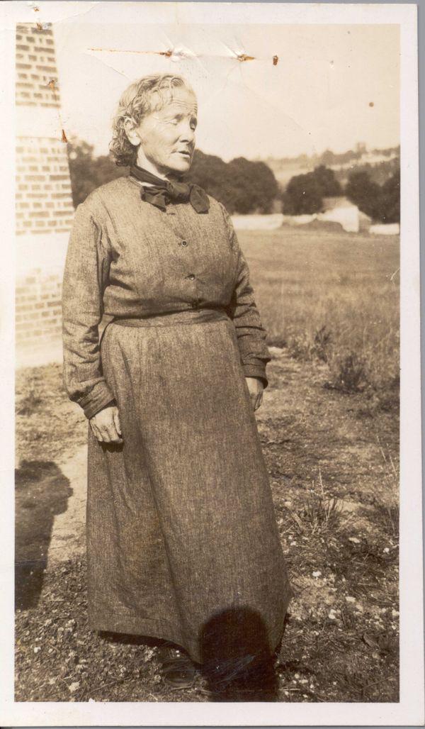 Séraphine Louis photographiée vers 1935