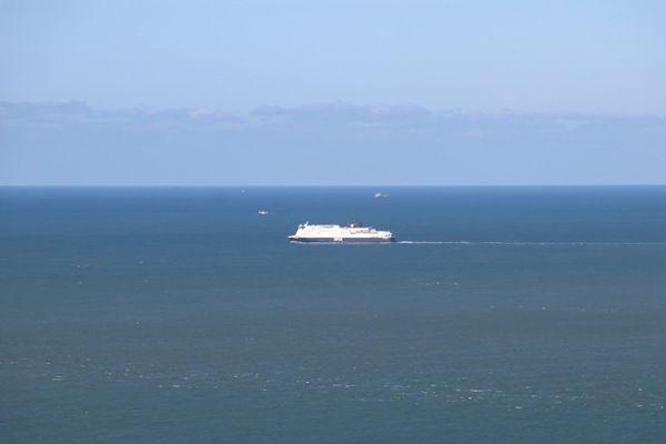 Un ferry effectuant la traversée entre Calais et Douvres (image d'illustration).
