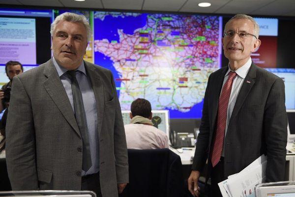 Guillaume Pepy a également annoncé lors d'un point de presse, en présence du secrétaire d'Etat aux Transports, Frédéric Cuvillier, une indemnisation pour les abonnés.