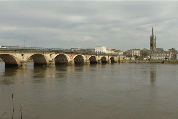 Le pont de pierre de Libourne va être restauré à partir de septembre prochain.