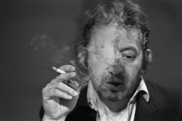 Serge Gainsbourg a passé une partie de son adolescence à Limoges puis Saint-Cyr afin d'échapper aux rafles pendant la Seconde Guerre Mondiale.