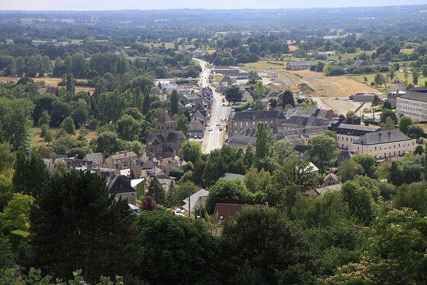 Dans l'Orne, ce LUNDI, Domfront retrouvera un ciel éclairci l'après-midi, après les nuages du matin.