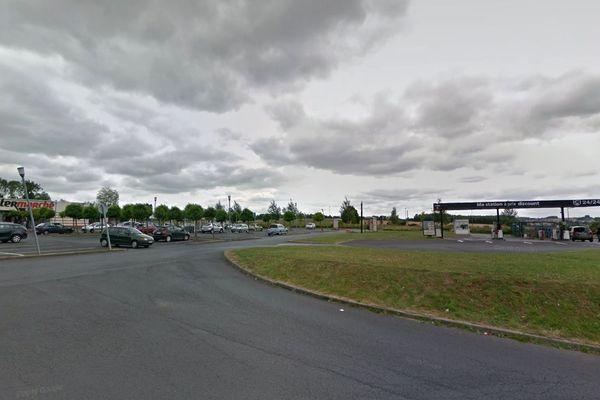 Les faits se sont produits au niveau de la station-service d'Intermarché à Bruay-la-Buissière.