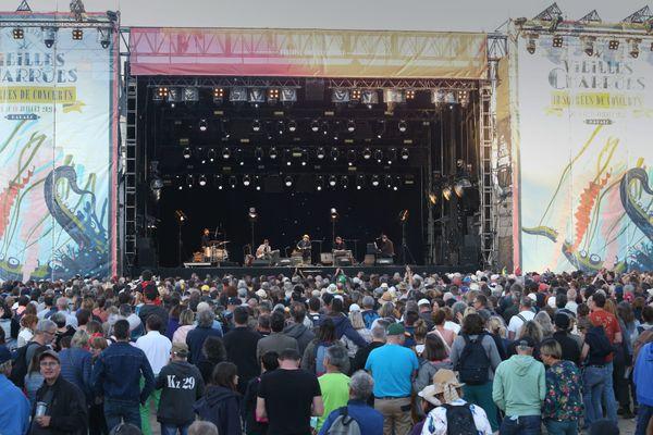 Les Vieilles Charrues ont réduit leur format habituel pour cause de pandémie. 10 jours de concerts étaient proposés. La soirée où a joué Stephan Eicher était la seule complète.
