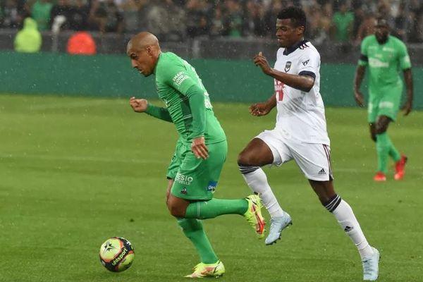 Saint-Étienne - 18/09/2021 - L'ASSE en vert recevait Bordeaux en blanc. Wahbi Khazri a inscrit un but pour les Verts qui se sont inclinés à domicile face à Bordeaux (1-2) à l'occasion de cette rencontre comptant pour la 6e journée de Ligue 1.