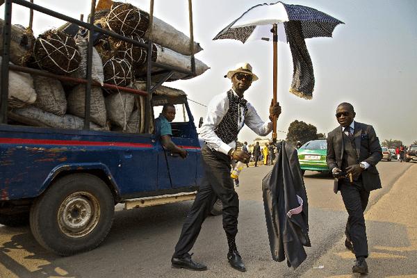 « Brazzaville et les rois de la SAPE » (Société des Ambianceurs et Personnes élégante)