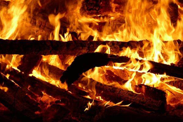 Rien de tel qu'un bon feu pour se réchauffer mais attention à l'entretien des conduits de cheminée