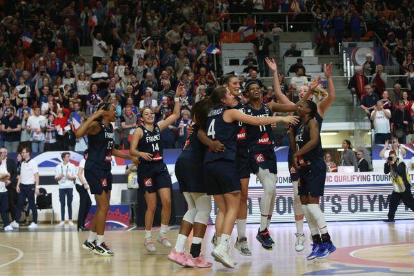 L'équipe de France féminine de basket contre le Brésil à Bourges en février dernier