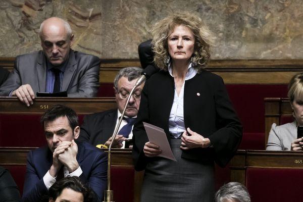 """Pour Martine Wonner, le gouvernement """"coupe l'herbe sous le pied des parlementaires."""""""