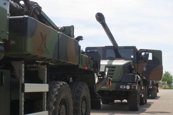 Les canons de 155mm autoportés Caesar (camion équipé d'un système d'artillerie)