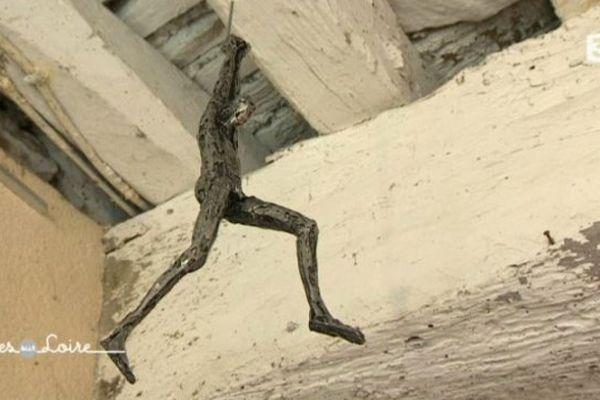 Sculpture de Christian Malézieux, peintre et sculpteur d'étain à St-Céneri-le-Gérei
