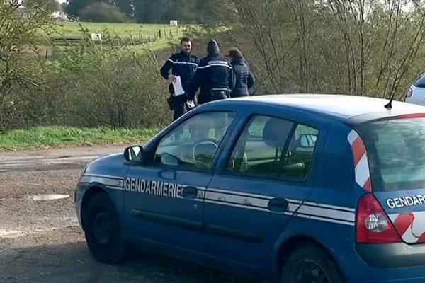 Les gendarmes poursuivaient leurs investigations sur le terrain ce vendredi matin à Beauvois-en-Cambrésis.