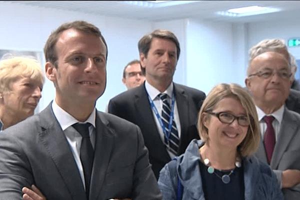Emmanuel Macron aux côtés de Corinne Erhel en juin 2015