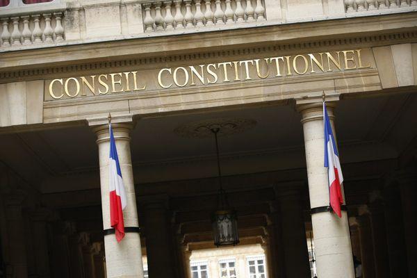 """Les """"sages"""" du Conseil constitutionnel doivent se prononcer avant le samedi 22 mai."""