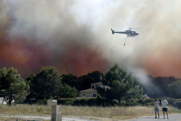 Le feu a ravagé plusieurs centaines d'hectares à Saint-Cannat le week-end du 14 juillet. Plus de 700 pompiers ont été mobilisés.