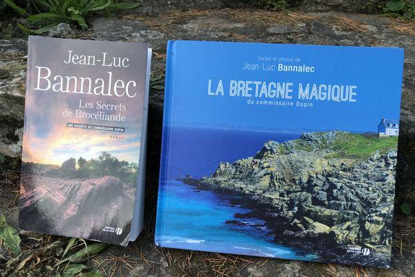 Les secrets de Brocéliande, dernier roman de Jean Luc Bannalec qui publie aussi un livre de photos de la Bretagne aux Presses de la Cité