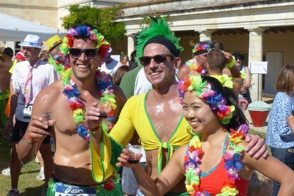 Le Marathon du Médoc, le seul marathon au monde où le ravitaillement ne propose pas que de l'eau...