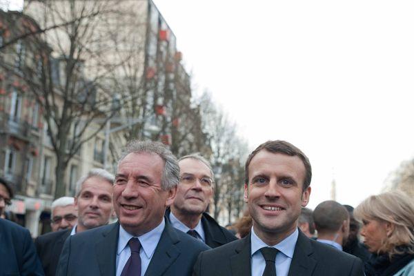 Visite d'Emmanuel Macron à Villers Cotteret, en compagnie de François Bayrou. Illustration.