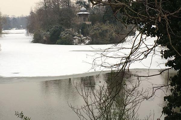 Le bois de Boulogne sous la neige, jeudi 1er mars 2018.