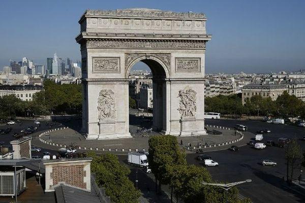 L'Arc de triomphe rouvrira ses portes au public le 12 décembre.