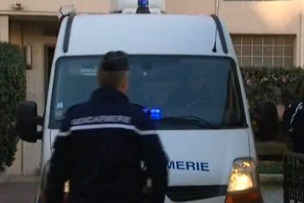 """Le 12 décembre 2015, une dizaine de gendarmes avaient interpellé Philippe Saint-Jean, le chef de bande des """"saucissonneurs"""" qui ont comparu deux jours devant le tribunal correctionnel de Grasse."""
