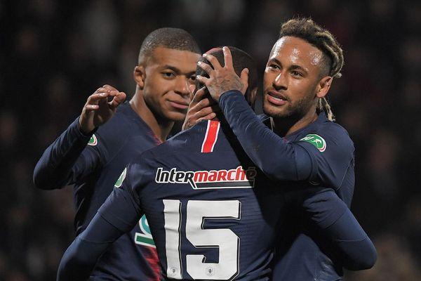 Les parisiens célèbrent le but de Neymar