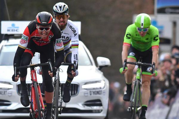"""Van Avermaet a devancé Sagan au sprint pour cette première """"flandrienne"""" de la saison."""