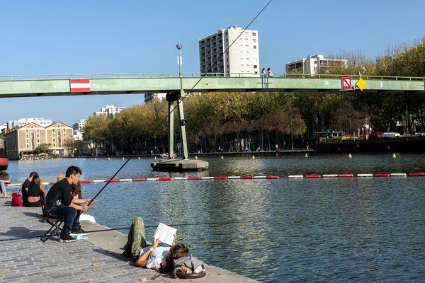 Danielle Simonnet, conseillère LFI de Paris, veut faire interdire la pêche à Paris. Elle a déposé un vœu en ce sens qui sera examinée au prochain Conseil de Paris | Photo prise au bassin de la Villette