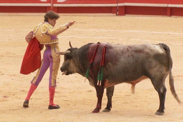 Juan Leal et un toro de Partido de Resina. Nîmes, 18 mai 2018.