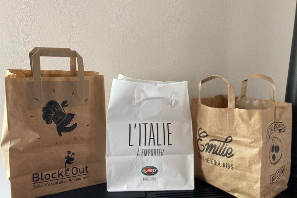 A Reims, à cause de la forte demande actuelle en emballage, le restaurant Emilie and the Cool Kids n'est plus approvisionné en sac papier personnalisé avec le logo de l'entreprise.