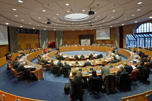 Le conseil général du Pas-de-Calais lors du vote du budget en décembre 2012.