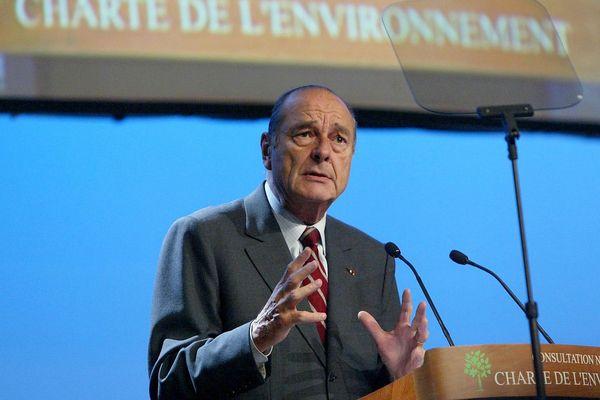 Jacques Chirac à Nantes le 29 janvier 2003, lors des assises territoriales de la charte de l'environnement.