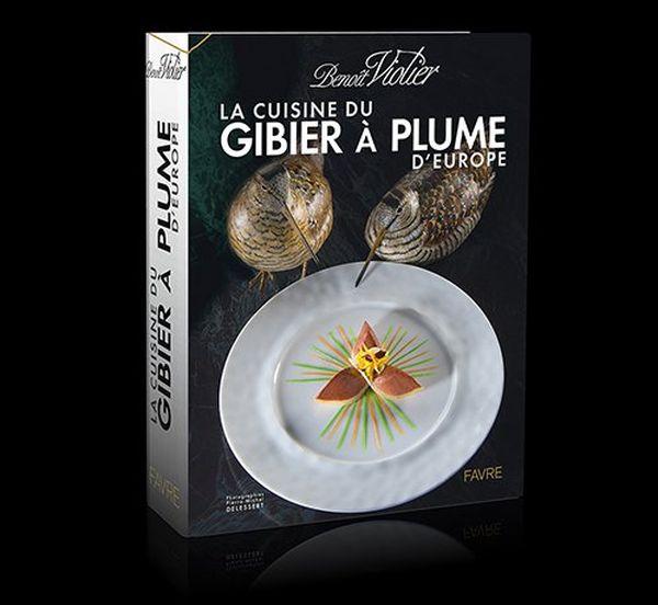 """La cuisine du gibier à plume d'Europe, livre de 1088 pages illustrées. Cet opus fasait suite à """"La cuisine du gibier à poil d'Europe"""" paru en 2008."""