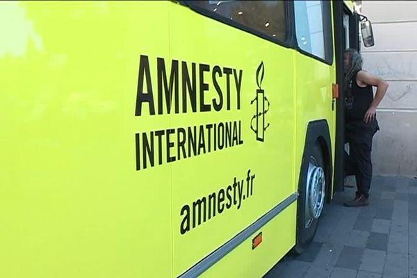 Les 18 et 19 juillet le bus d'Amnesty International passe par Avignon
