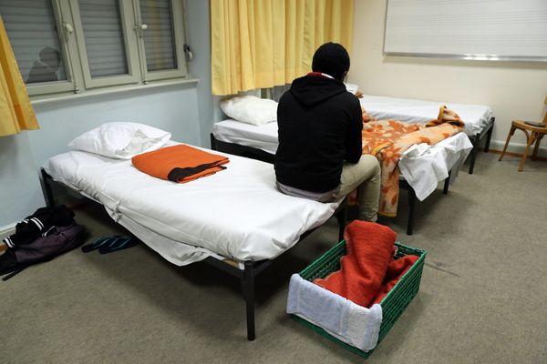 Image d'illustration d'un sans-abri accueilli dans un centre d'hébergement d'urgence.