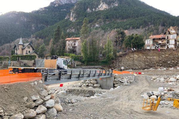 Un des ponts provisoires de Saint-Martin-Vésubie, dans les Alpes-Maritimes.
