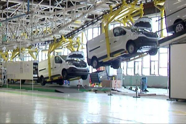 Chaîne de montage des Trafic dans l'usine Renault de Sandouville près du Havre  (Archives)