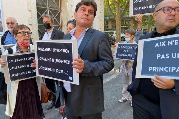 Marc Pena (Divers Gauche) et Anne Laurence Petel(LREM) dénoncent un simulacre de vote.