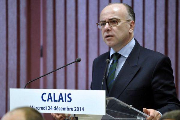 Bernard Cazeneuve en 2014 à Calais.