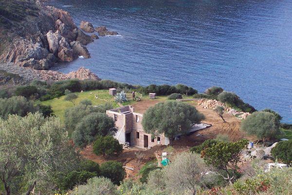Le procès en appel oppose l'association U Levante à un propriétaire accusé d'avoir illégalement réalisé une extension à Piana (Corse du Sud)