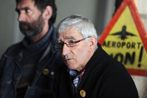 Julien Durand lors de la conférence de presse de la manifestation nantaise de février contre NDDL.