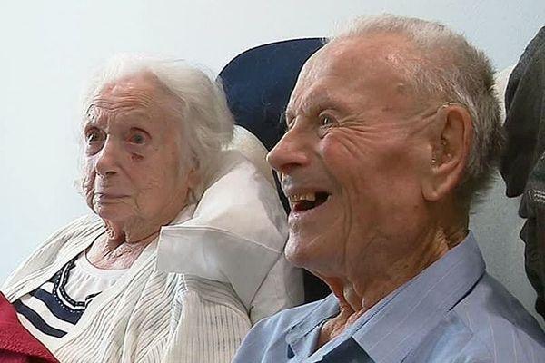 """Georgette et Charles se sont dit """"oui"""" en 1941. 78 ans plus tard, à Puilboreau, près de La Rochelle, ils sont toujours ensembles - 5 mars 2019."""