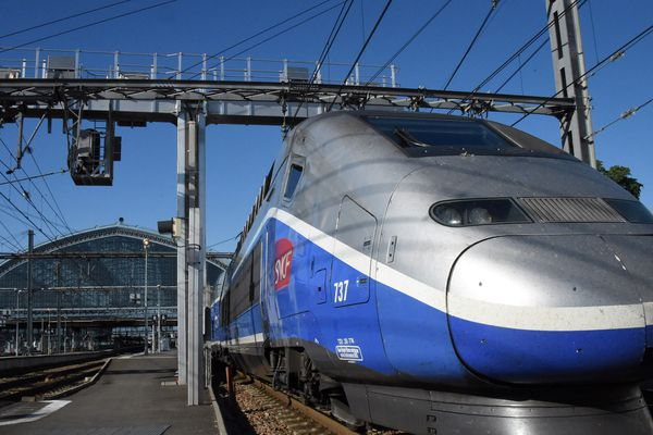 LGV : premier train commercial au départ de Bordeaux en direction de Paris via Tours - Saint Pierre des Corps