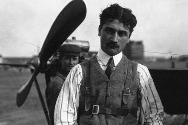 Roland Garros, célèbre aviateur français.
